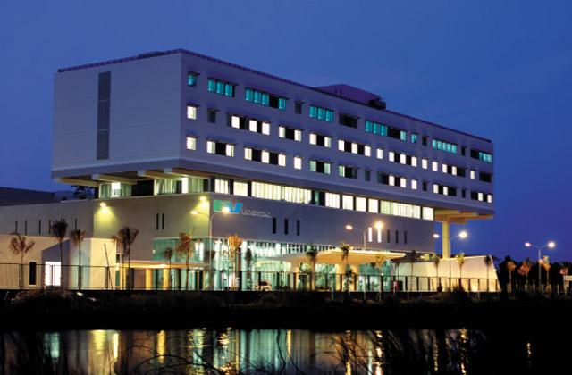 FV Hospital Building By Night